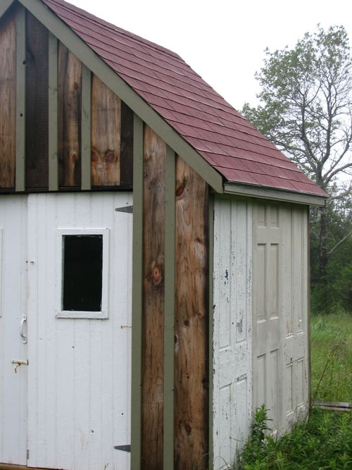 A_door_able_shed